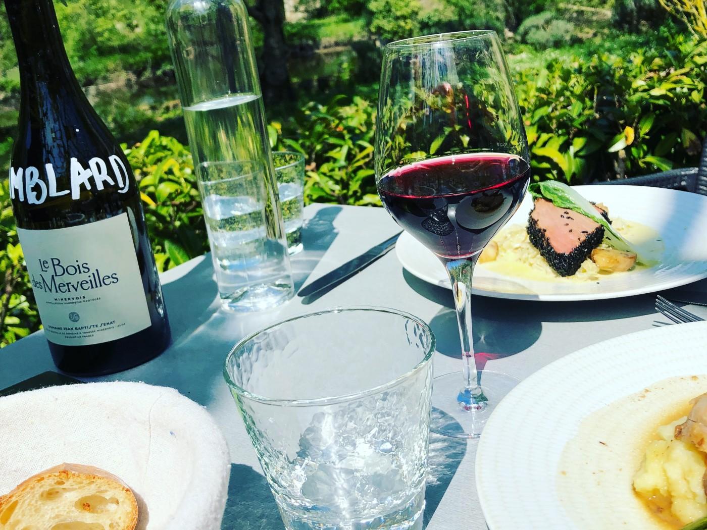 repas terrasse soleil vin saumon loire restaurant