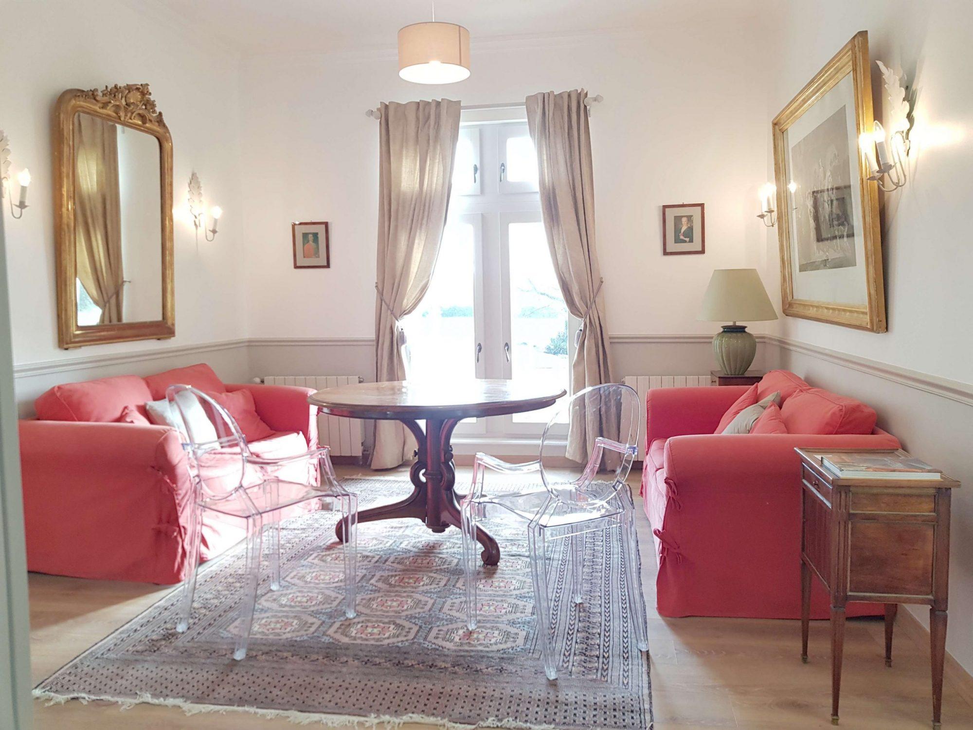 Salon de l'appartement dans le château de Salvert chambres d'hôtes