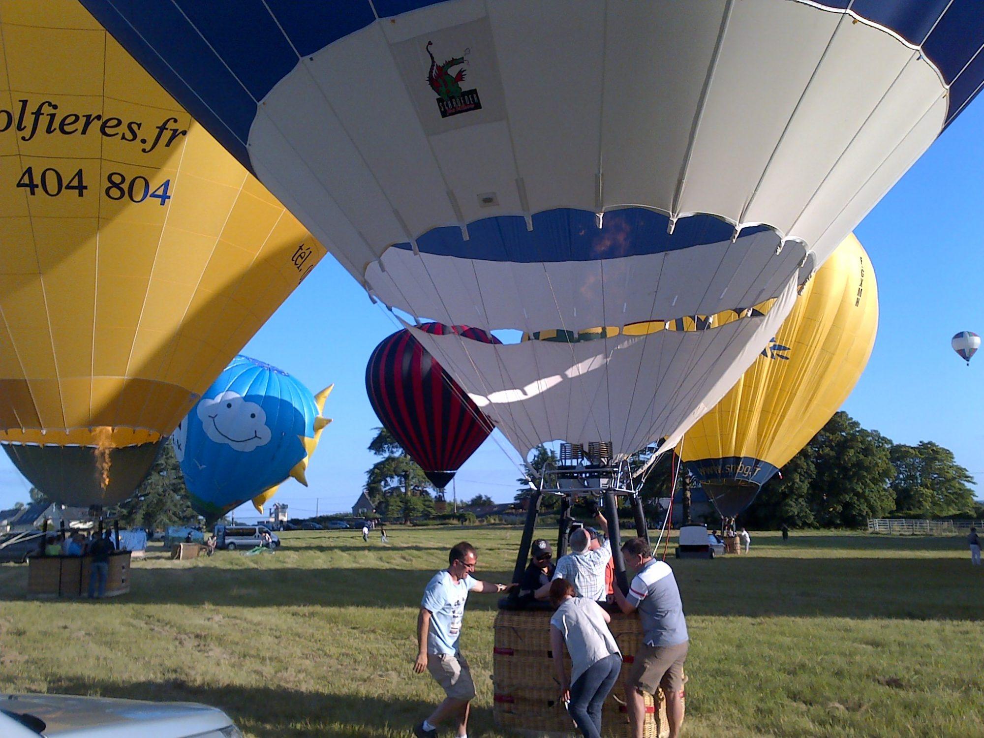 activite tourisme décollage montgolfières parc chateau salvert saumur