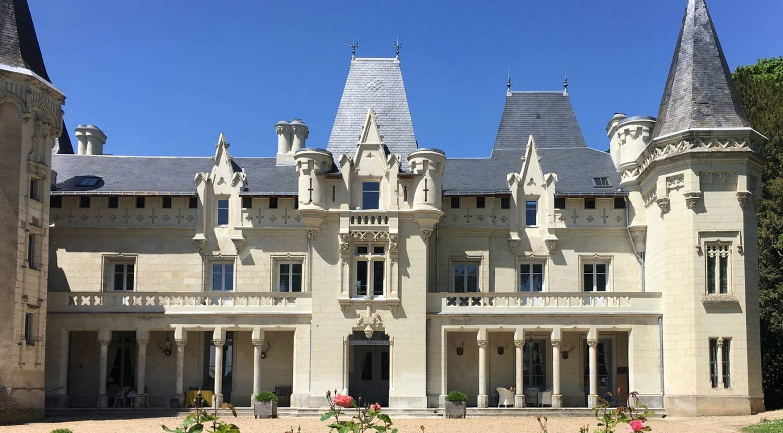 Bienvenue au château de Salvert façade