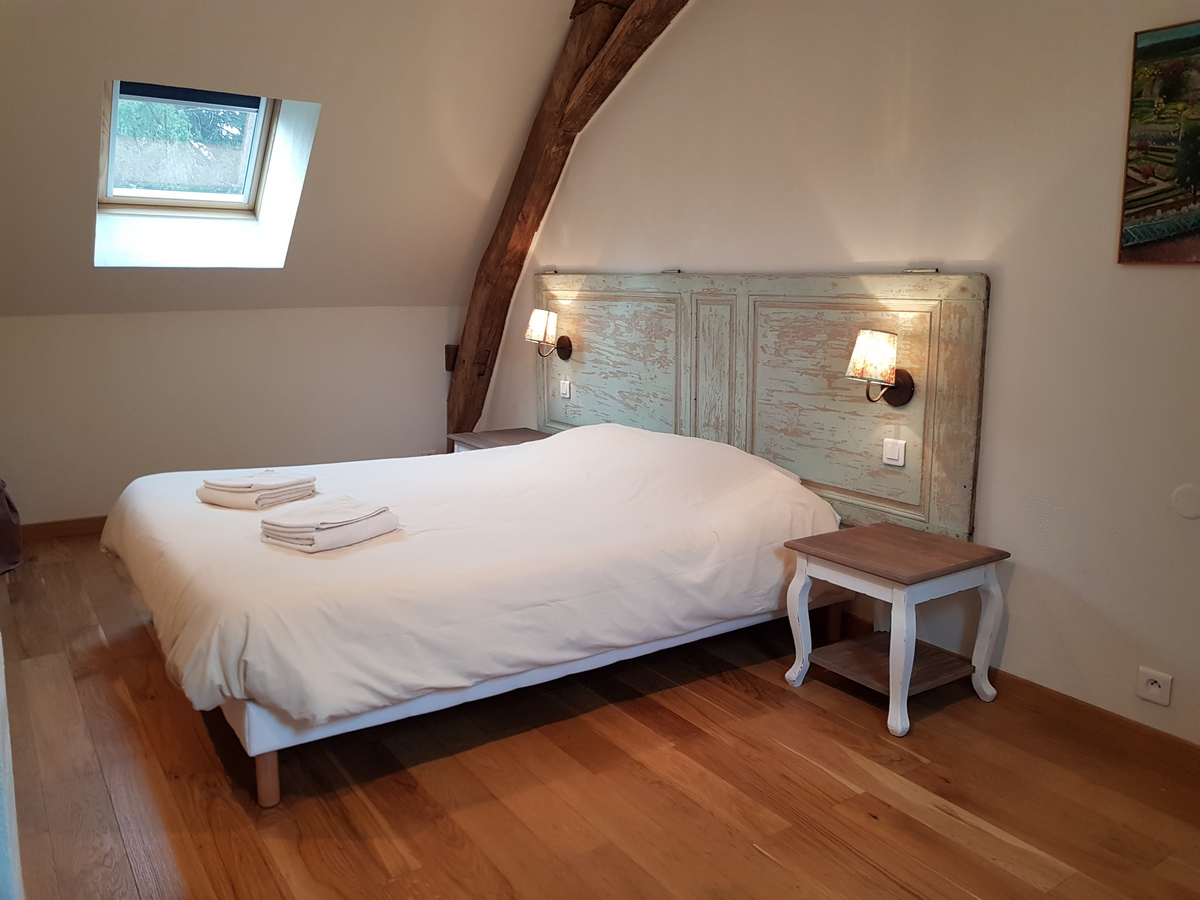 chambre lit double gite cottage la boulangerie