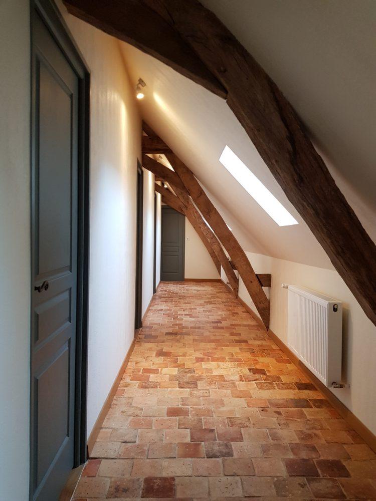 Couloir accès chambre gite cottage la boulangerie saumur