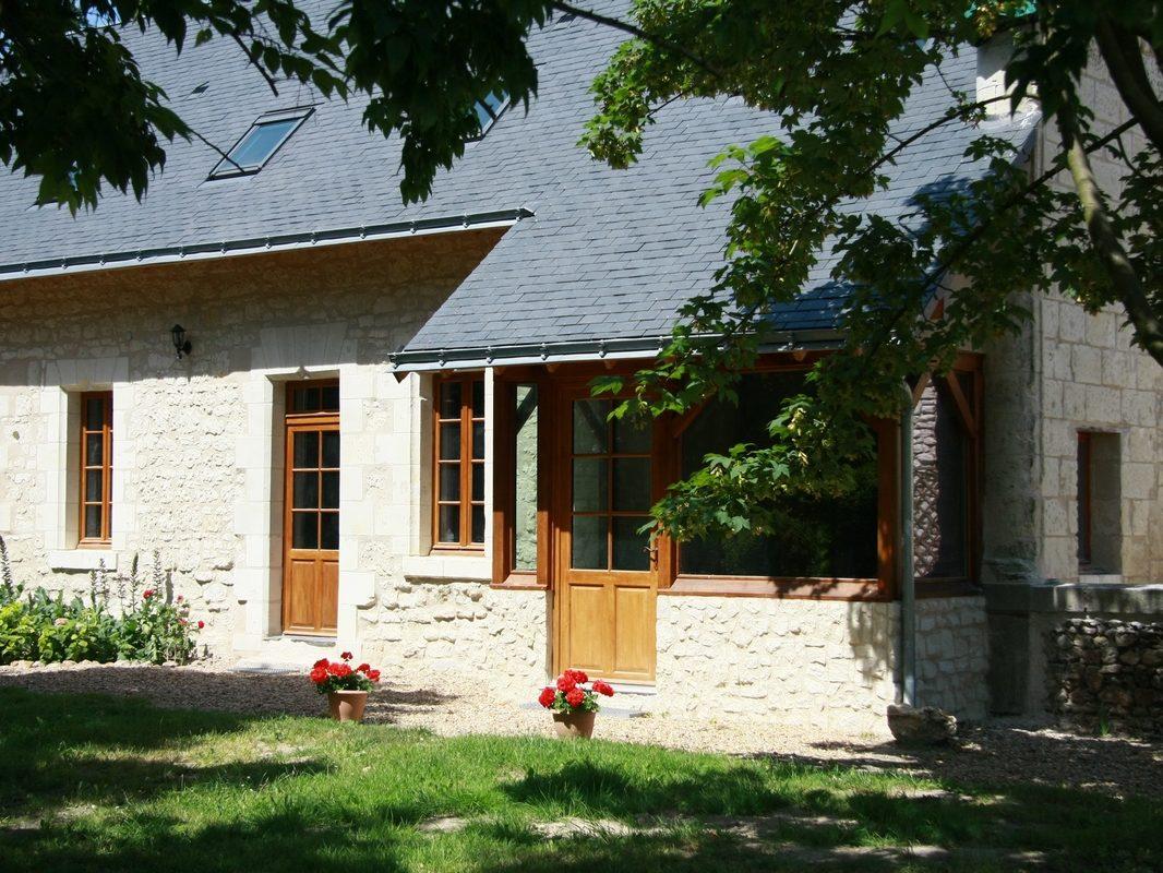 Façade d'entrée cottages La Boulangerie saumur