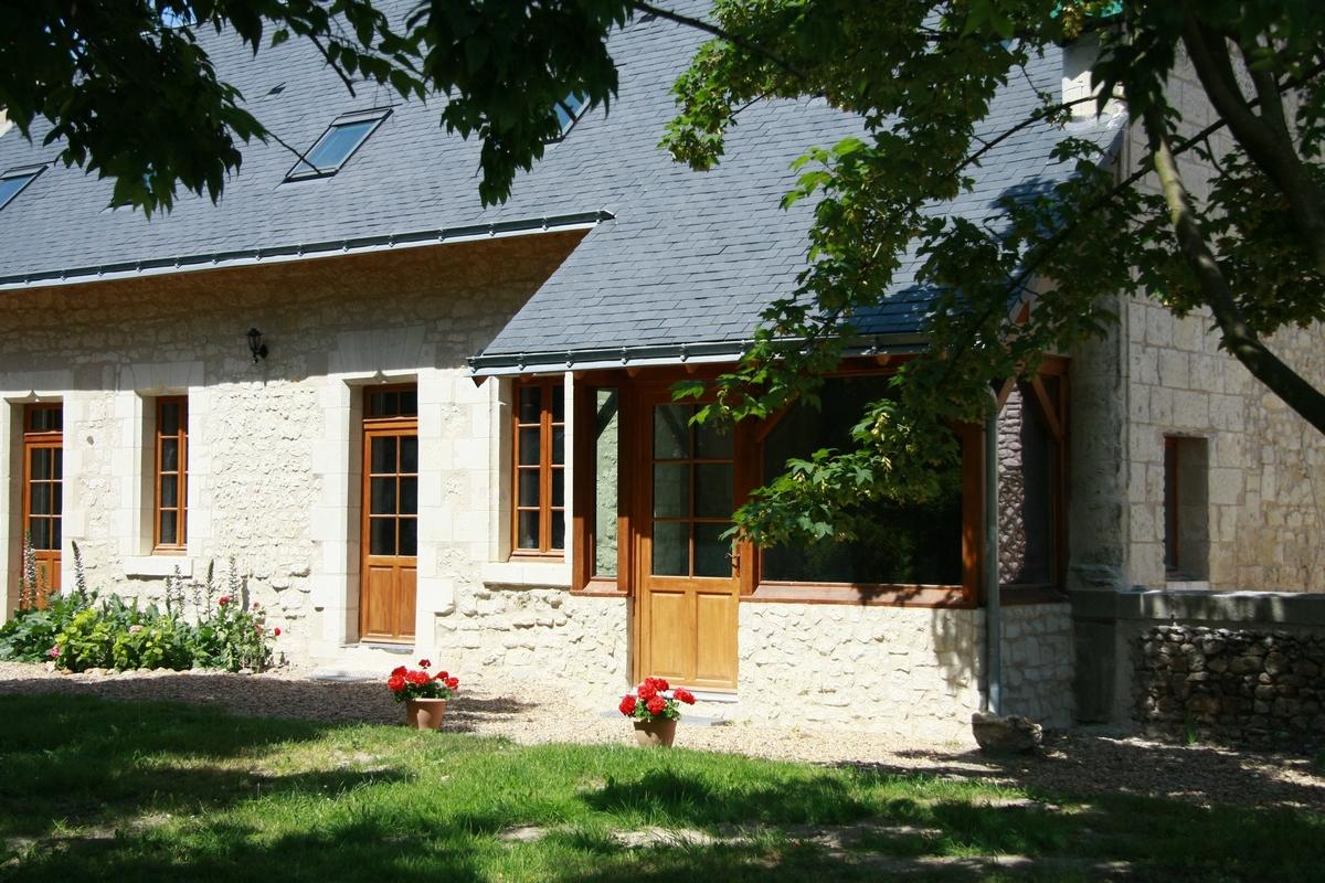 Façade d'entrée cottage La Boulangerie saumur