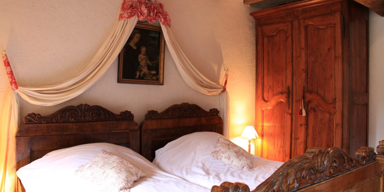 chambre lits simple lit jumeaux cottage gite la brosse