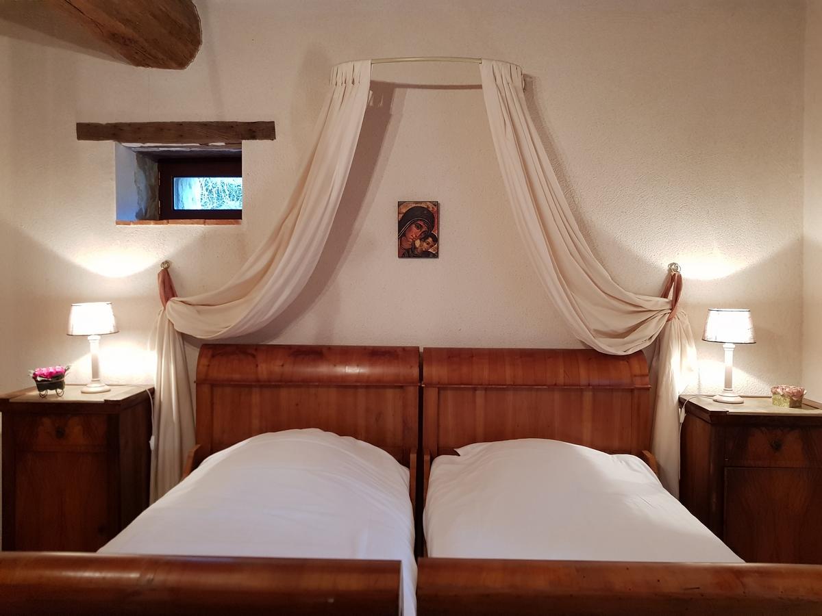 chambre lit simple lit jumeaux cottage gite le pressoir saumur